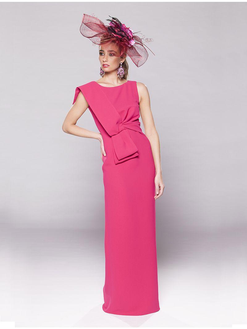 d1bcceb62c0226 Lange mouwloze jurk met platte knoop vooraan