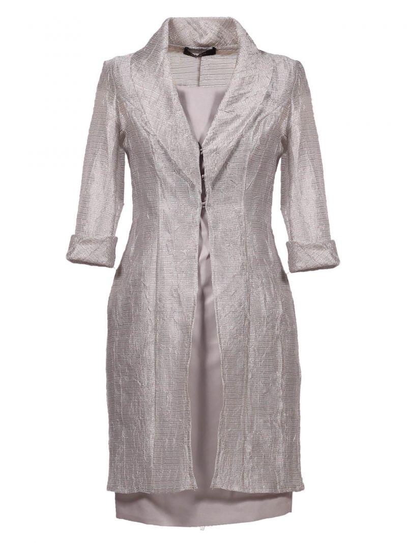 Veste courte sur robe longue