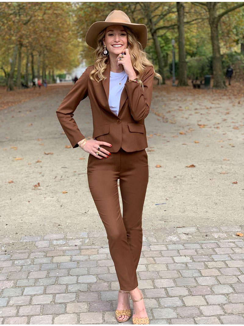 Pantalon coupe droite avec ceinture - brun