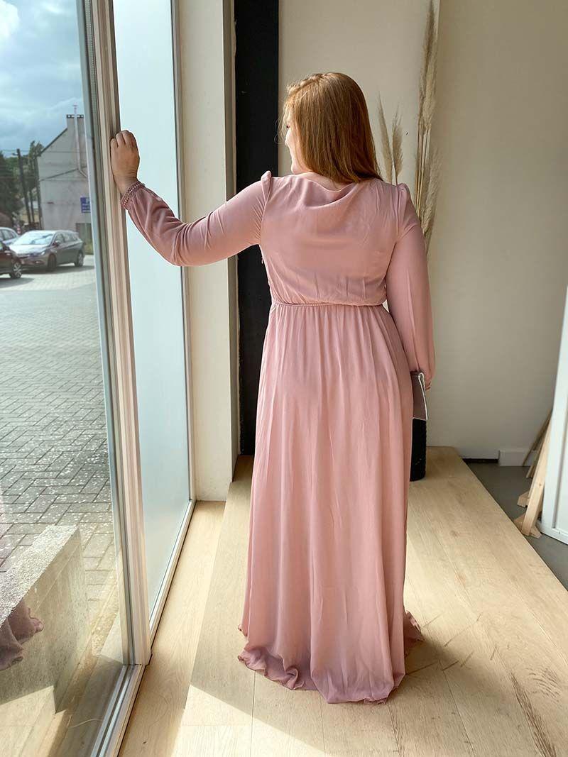 Robe longue avec manche et décolleté fermé – Rose pâle