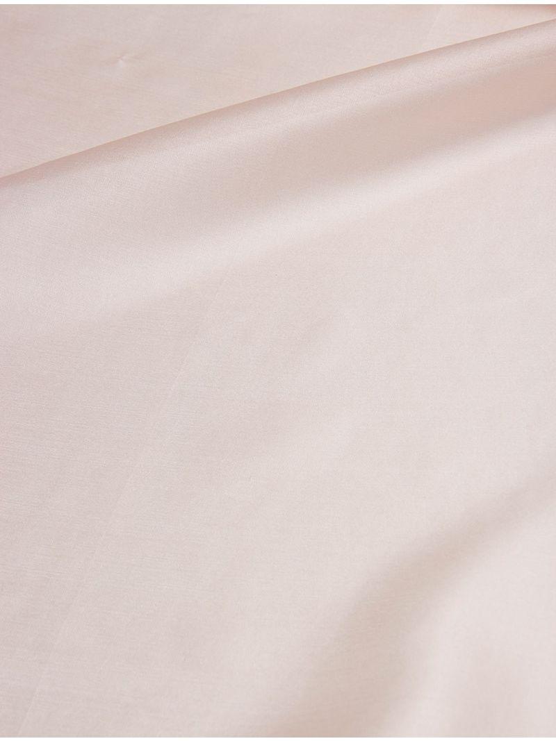 Étole délicate en soie rose pâle