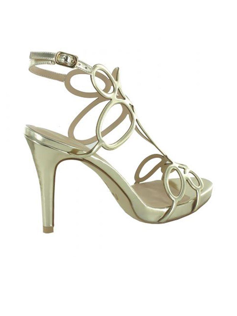 Sandales à talons aiguilles et formes ovales