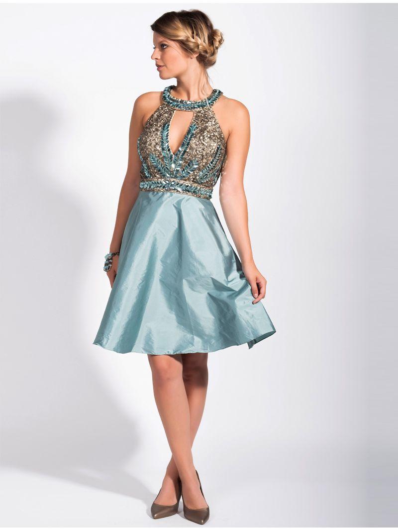 560b4fdbca08d1 Korte jurk met elegante décolleté bezaaid met pareltjes