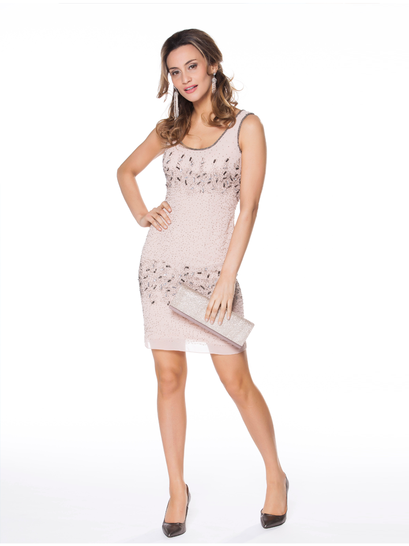 d92c34397224a5 Korte jurk in lichte voile met pareltjes en pailletten